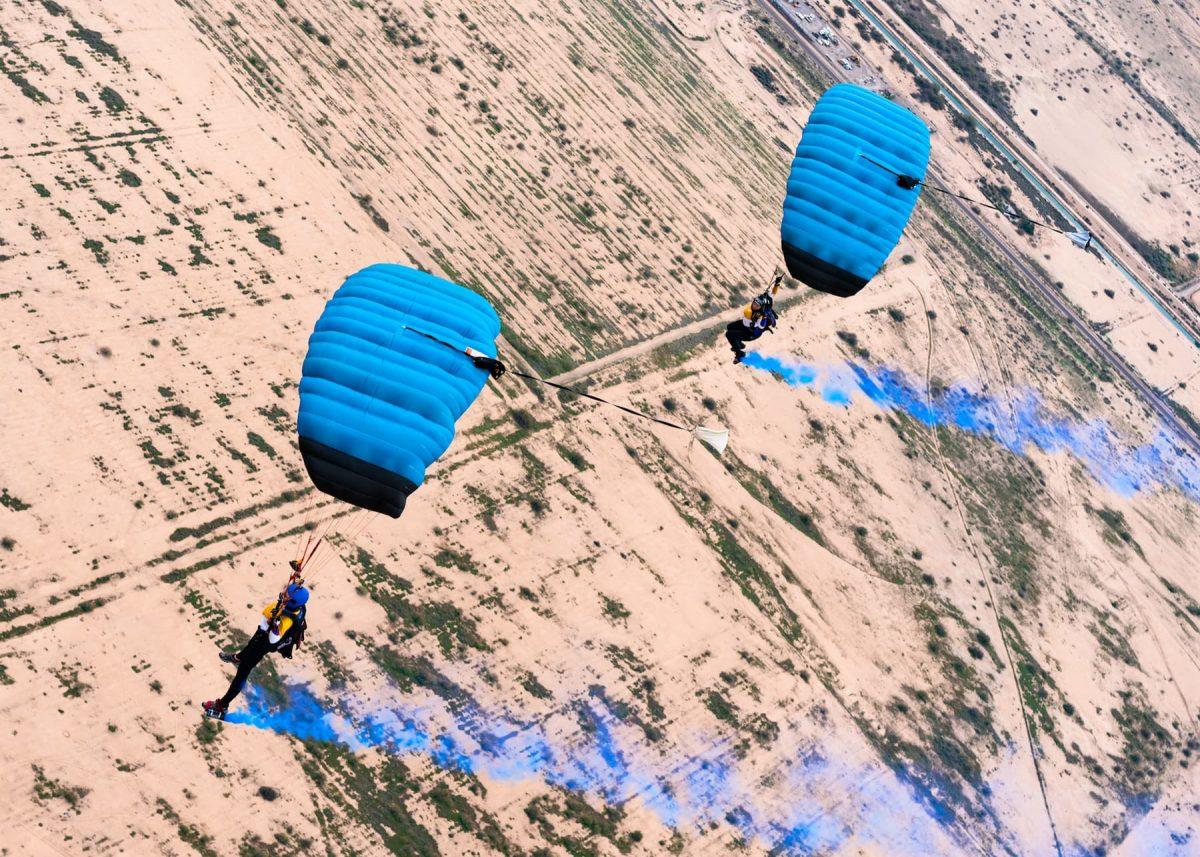 Kaz flying under canopy